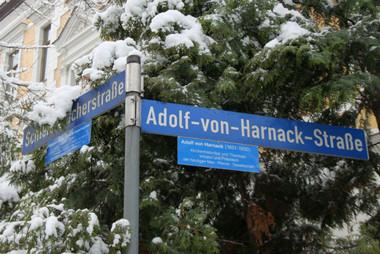 Straßenschild Adolf-von-Harnack-Straße, Halle (Saale)